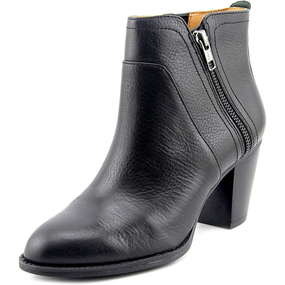 Sofft Oakes Round Toe Leather Ankle Boot by Sofft