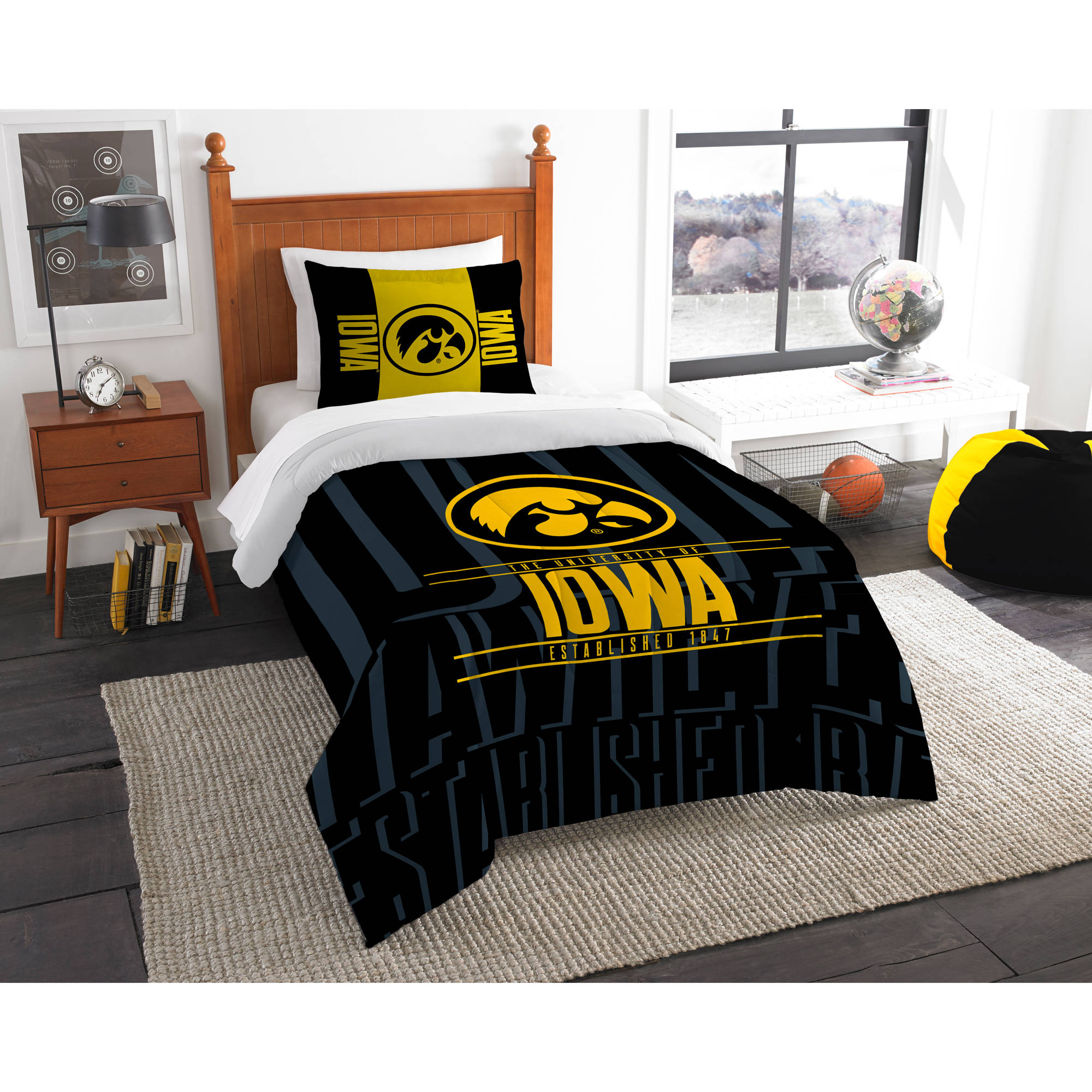 "NCAA Iowa Hawkeyes ""Modern Take"" Bedding Comforter Set"