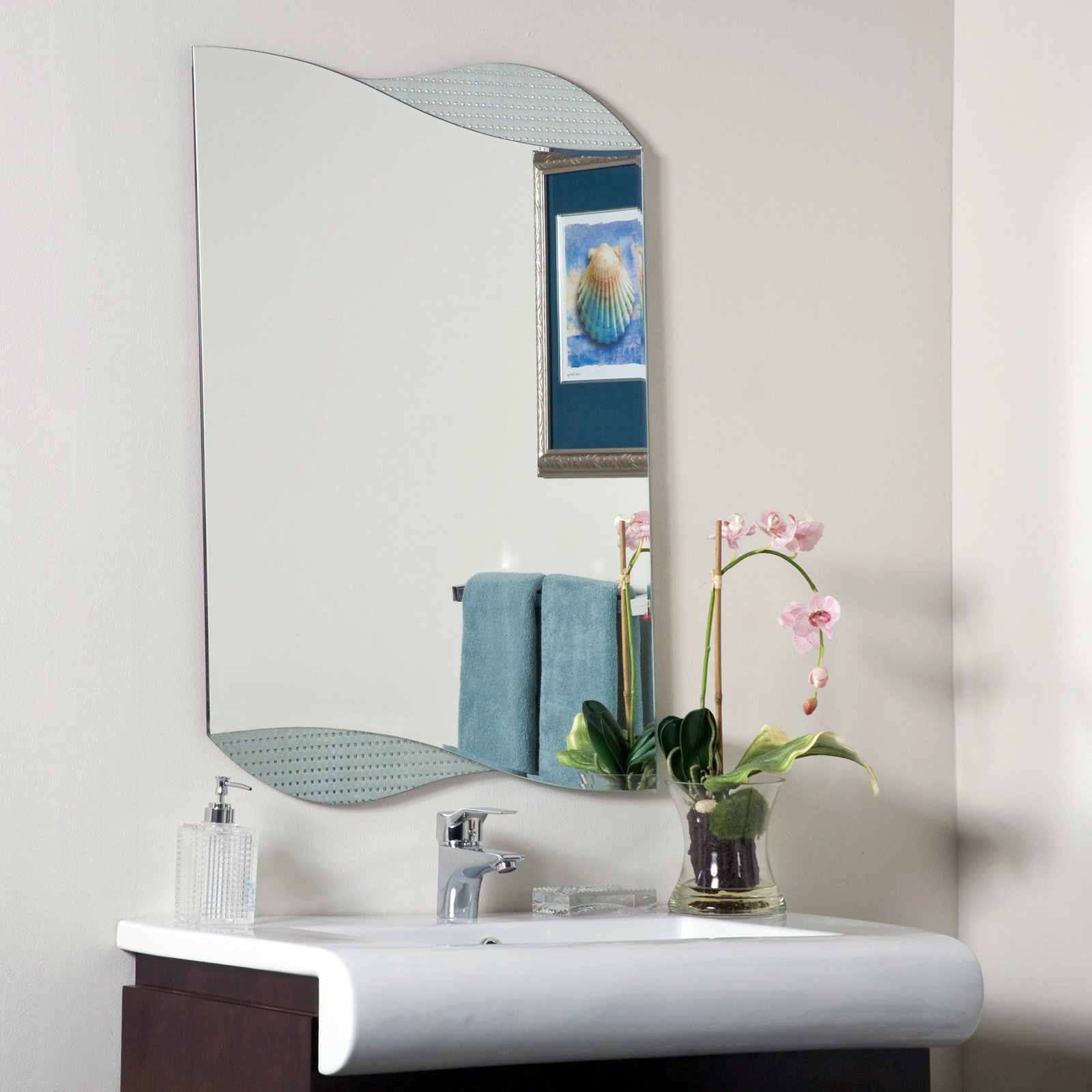 Décor Wonderland Sonia Modern Frameless Bathroom Mirror 23.6W x 33.5H in. by Decor Wonderland of US