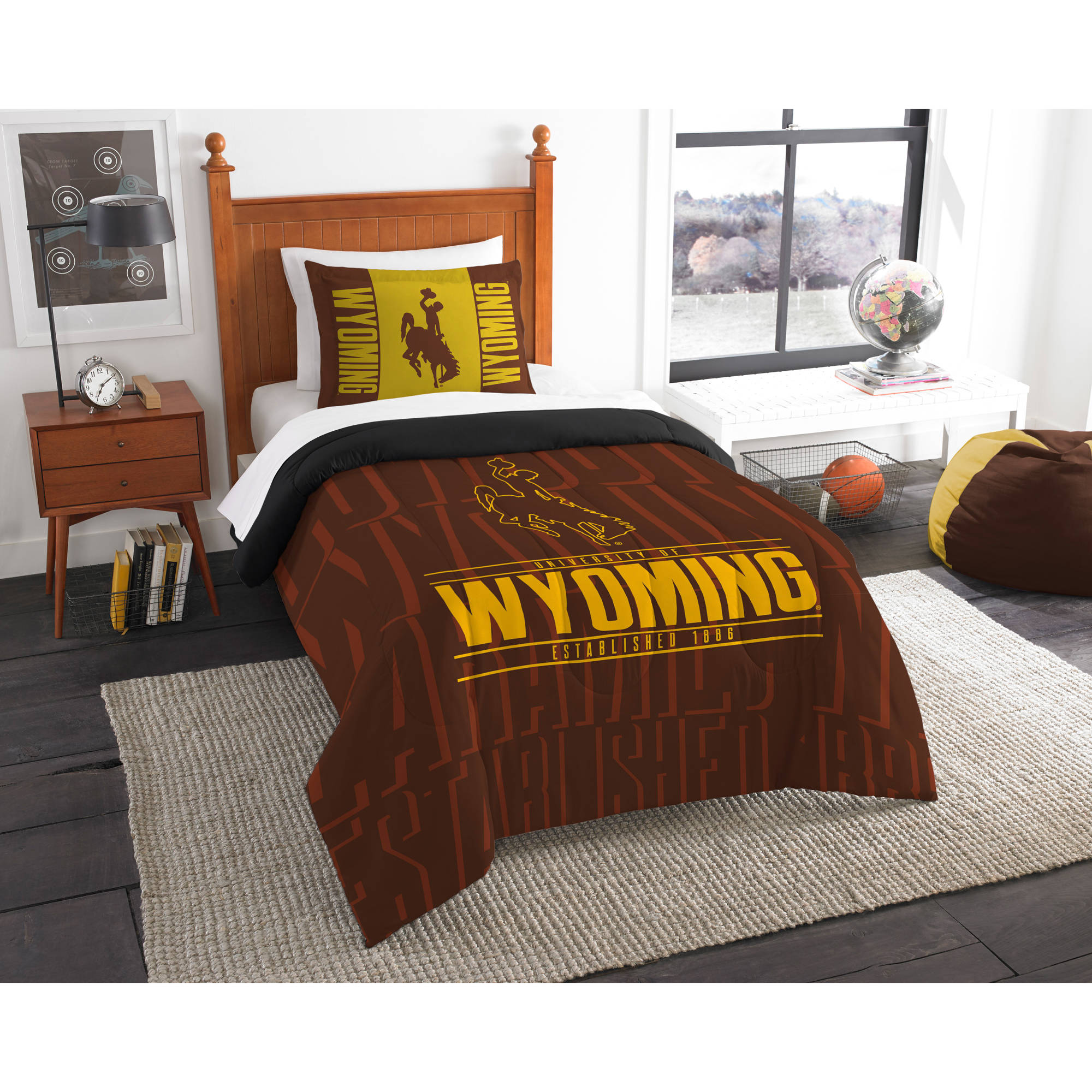 "NCAA Wyoming Cowboys ""Modern Take"" Bedding Comforter Set"