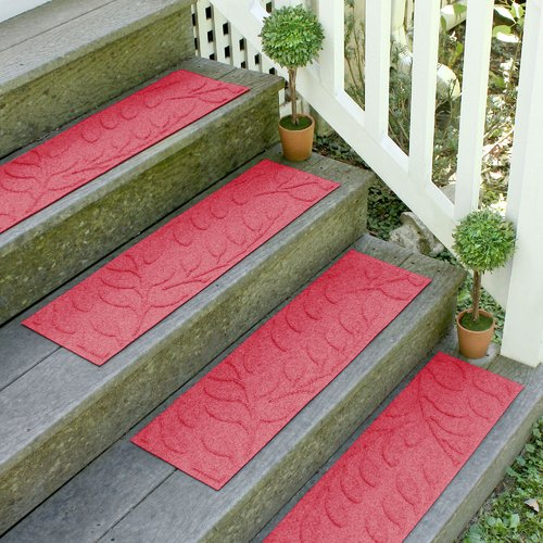 Tucker Murphy Pet Beaupre Solid Red Leaf Stair Tread (Set of 4)