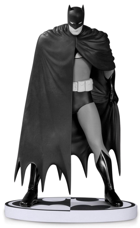 DC Collectibles: Batman Black and White Batman by David Mazzucchelli Statue by Batman