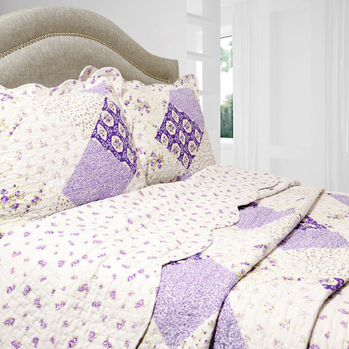 Pegasus Home Fashions Vintage 3 Piece Reversible Quilt Set