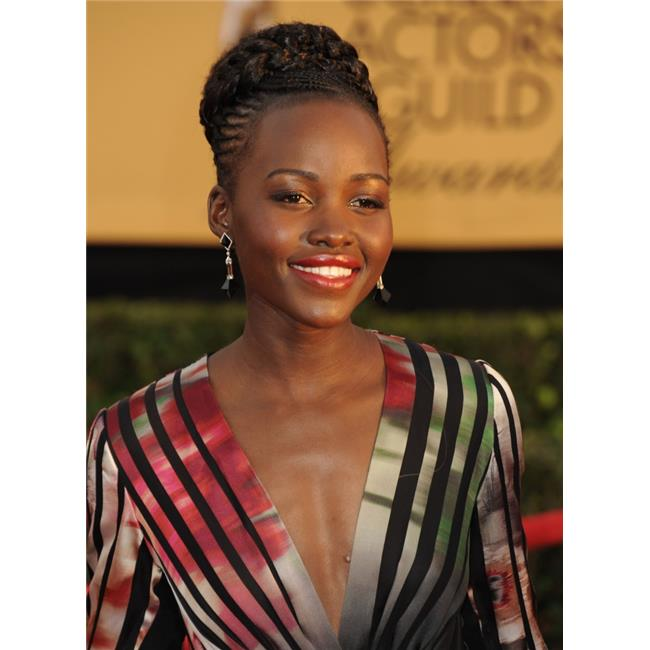 Everett Collection EVC1525J09DX039HLARGE Lupita Nyongo At Arrivals for 21St Annual Screen Actors Guild Awards Sag - Arrivals 3 The Shrine Exposition Center Los Angeles Ca January 25 2015 Photo by Dee  - image 1 de 1
