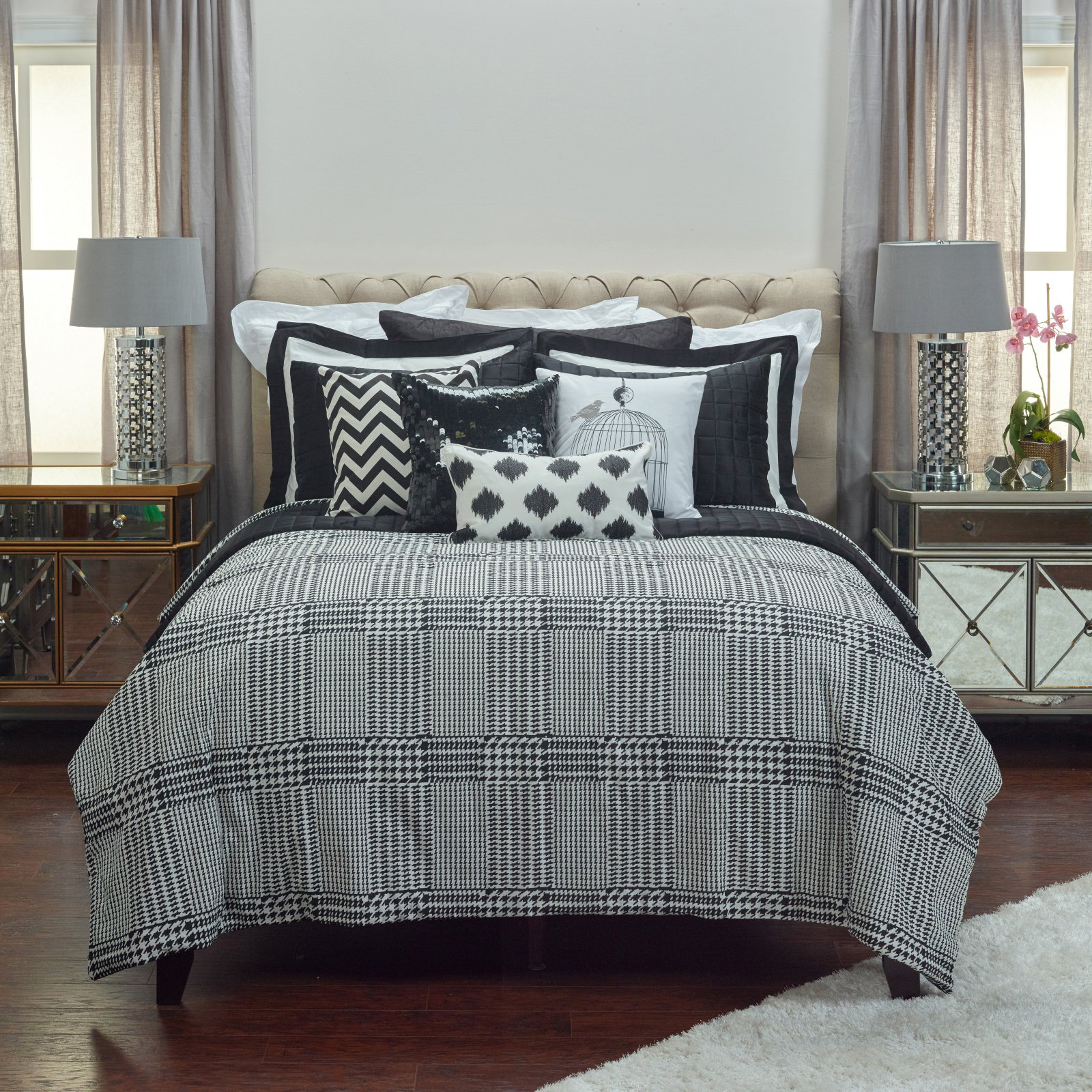 Rizzy Home Houndstooth Twin Size Comforter Set in Black Color