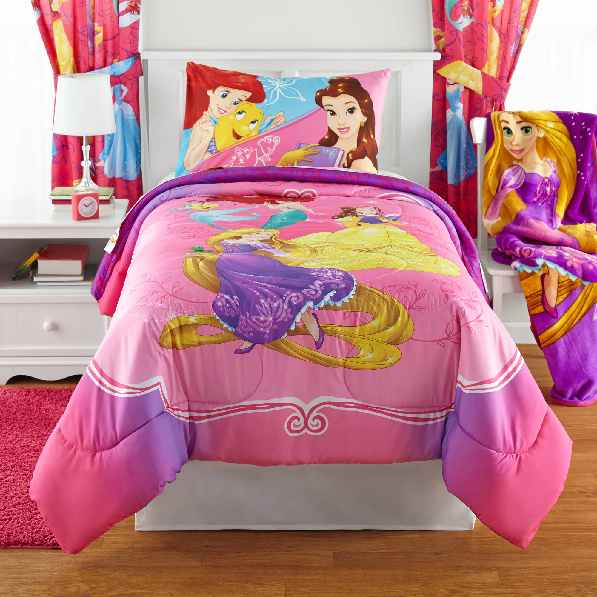 Disney Princess Bedazzling Princess Reversible Twin/Full Bedding Comforter