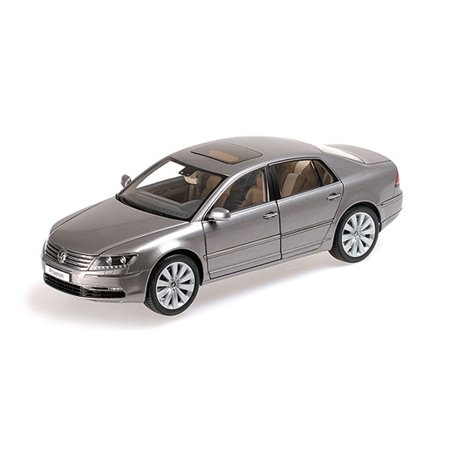 Volkswagen Phaeton Arabesque Silver 1/18 Diecast Model Car by Kyosho