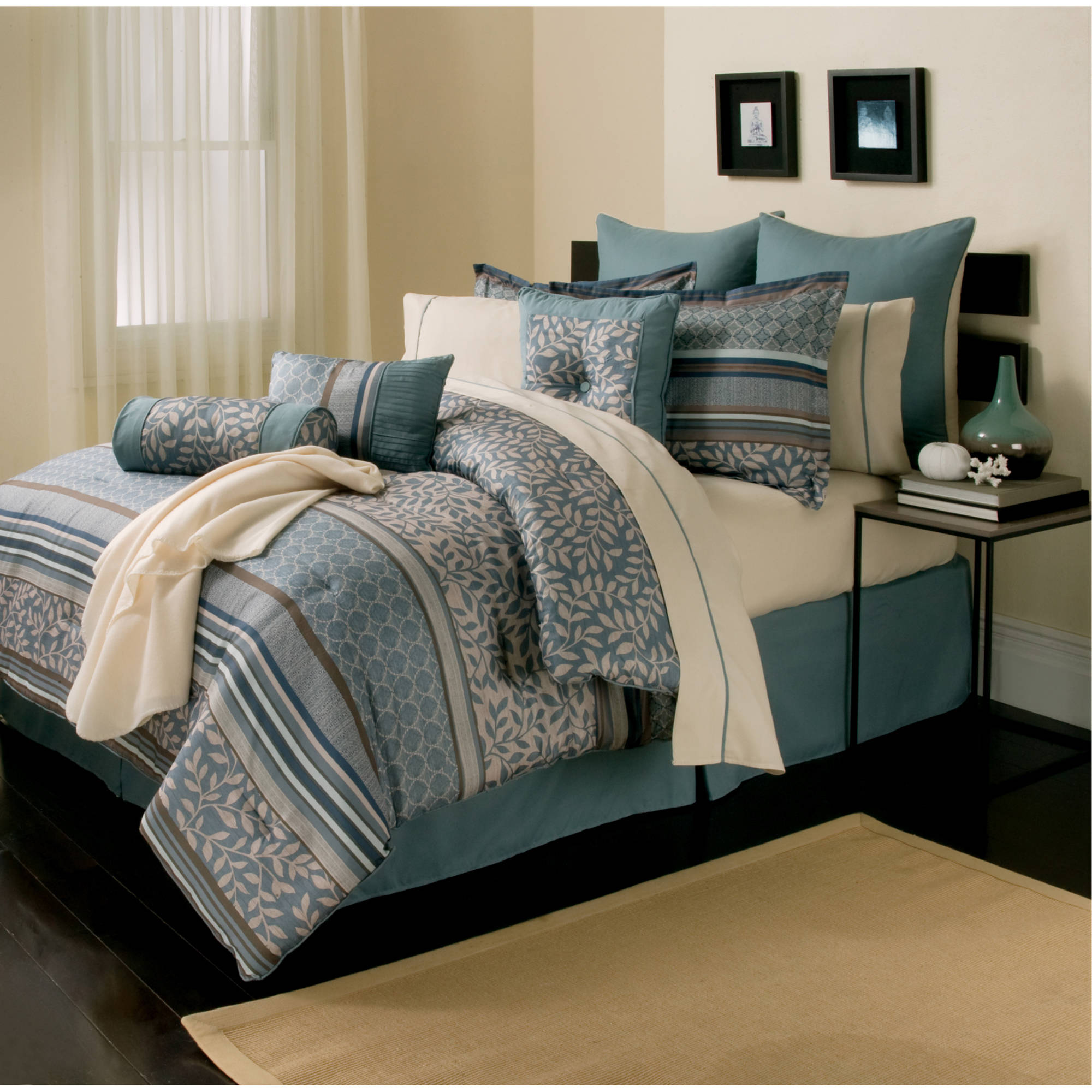 ***DISCONTINUED*** Angelica 16 Piece Comforter Set