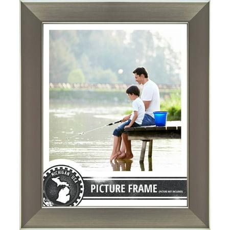 Craig Frames Bauhaus Modern Silver Picture Frame (Picture Frame 24 X 32 Silver)