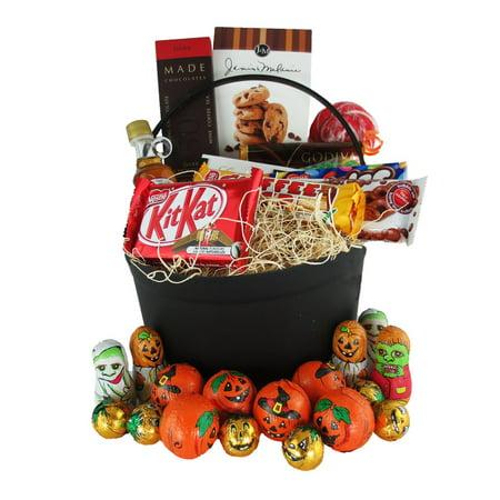 Halloween Treat Baskets Personalized (Gourmet Halloween Treats Gift)