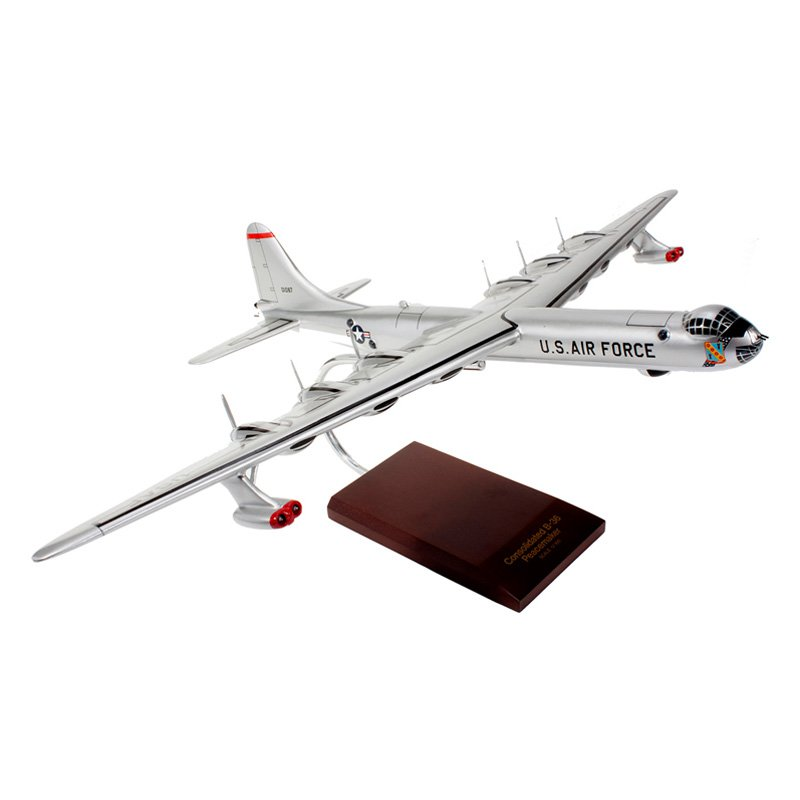 Daron Worldwide B-36J Peacemaker 1/100 Scale Model Airplane
