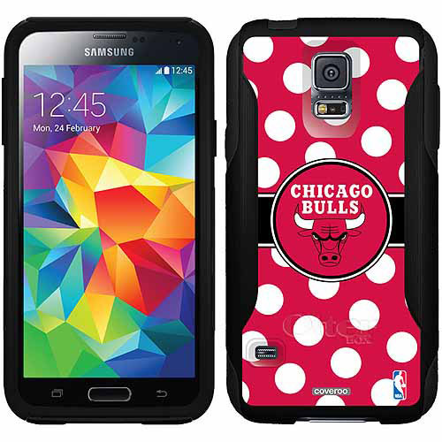 Chicago Bulls Polka Dots Design on OtterBox Commuter Series Case for Samsung Galaxy S5