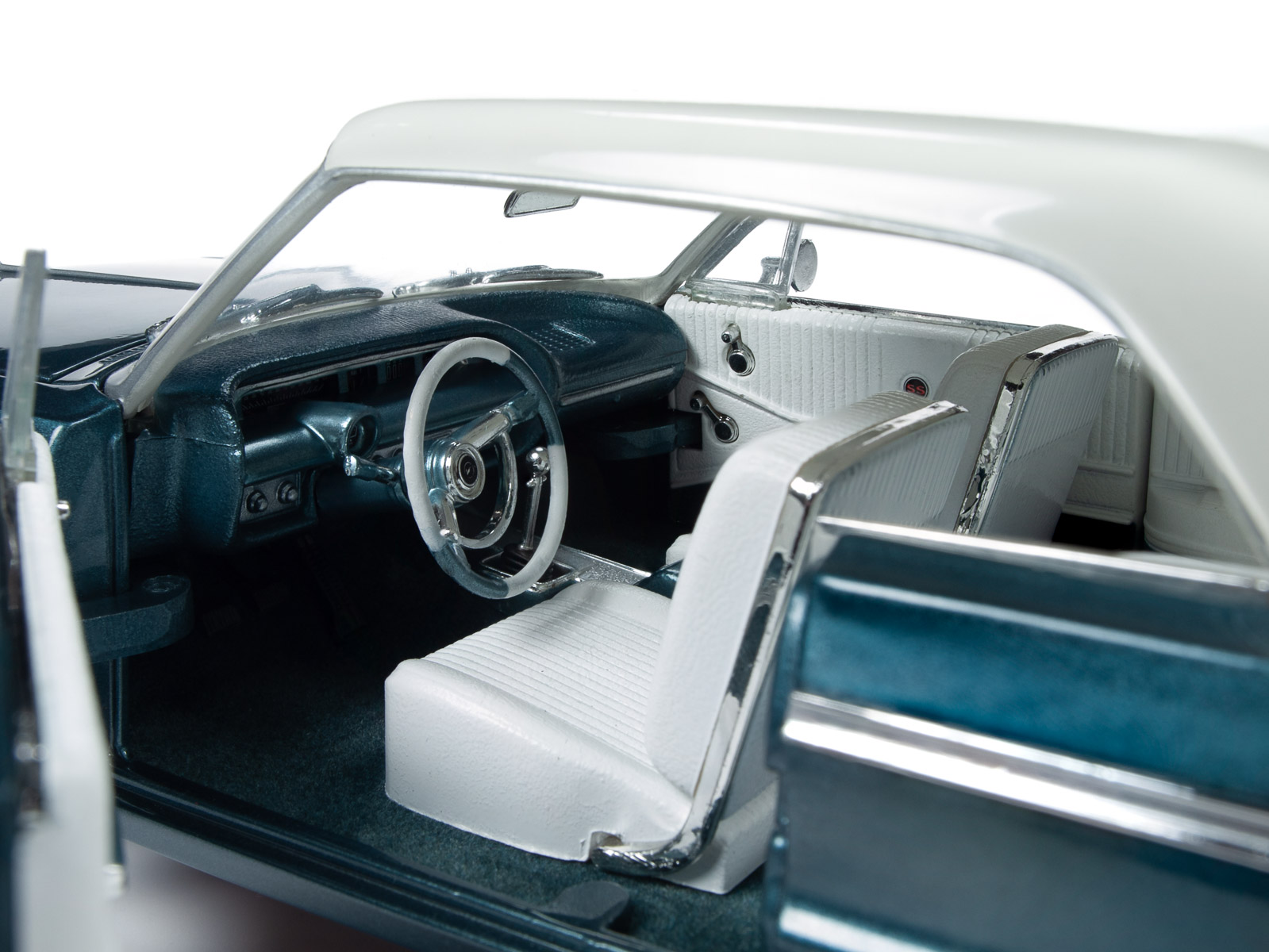 1964 CHEVROLET IMPALA SS 409 AQUA GREEN 1//18 DIECAST MODEL CAR AUTOWORLD AMM1219