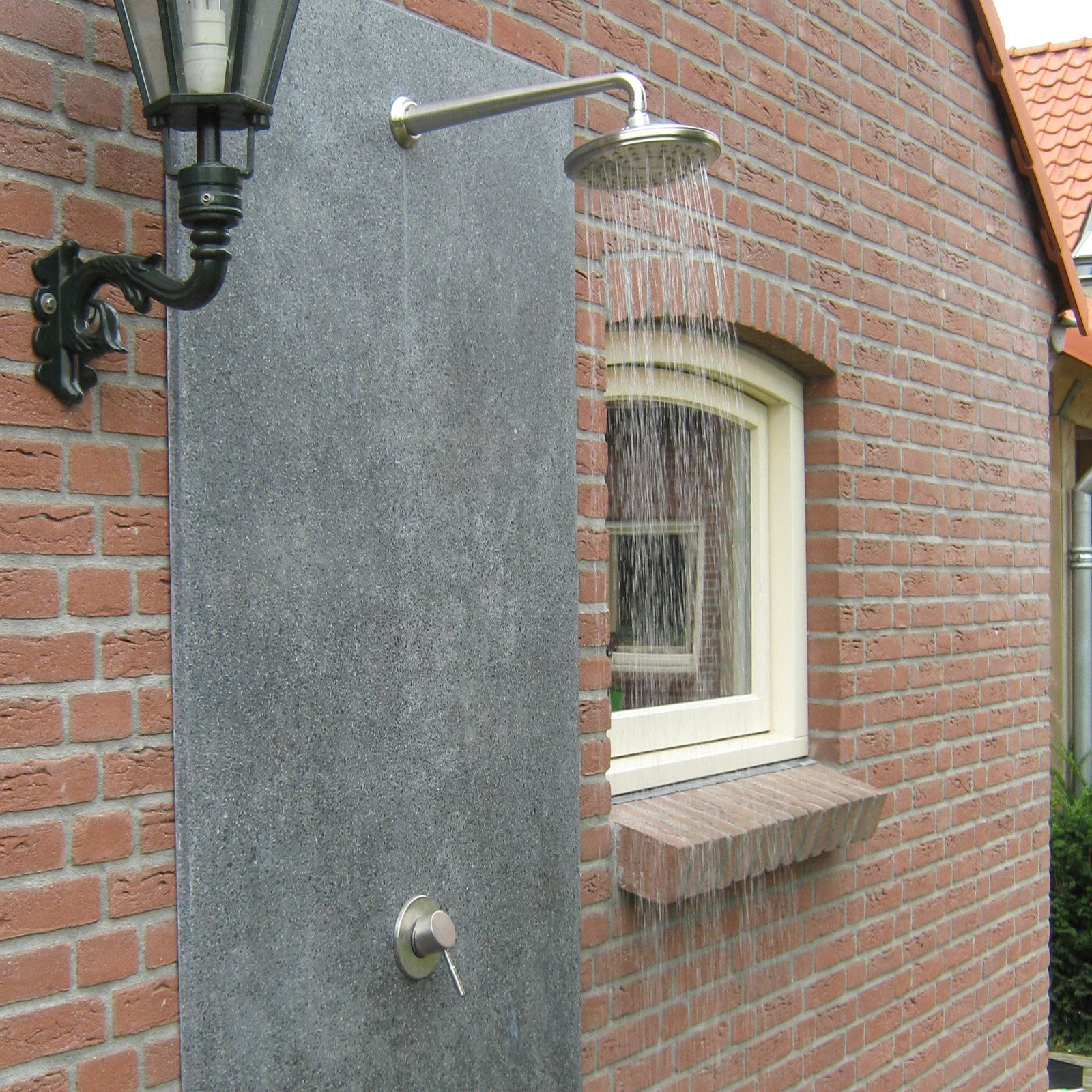Outdoor Shower Company Hot & Cold Concealed Shower with Round Head