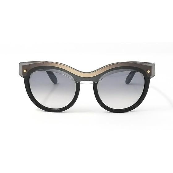 51ec8286e3 Salvatore Ferragamo - Salvatore Ferragamo Sunglasses SF774S 020 ...