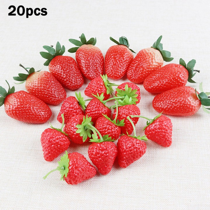 New 3D Strawberries Fruit Decoration Wall Plaque ~ Resin ~ Hand painted