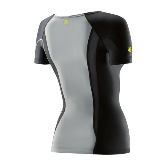 9af2d573fac39a An additional benefit on the long sleeve top are graduated long sleeves to  help reduce pooling in the forearms for enhanced blood flow and athletic ...