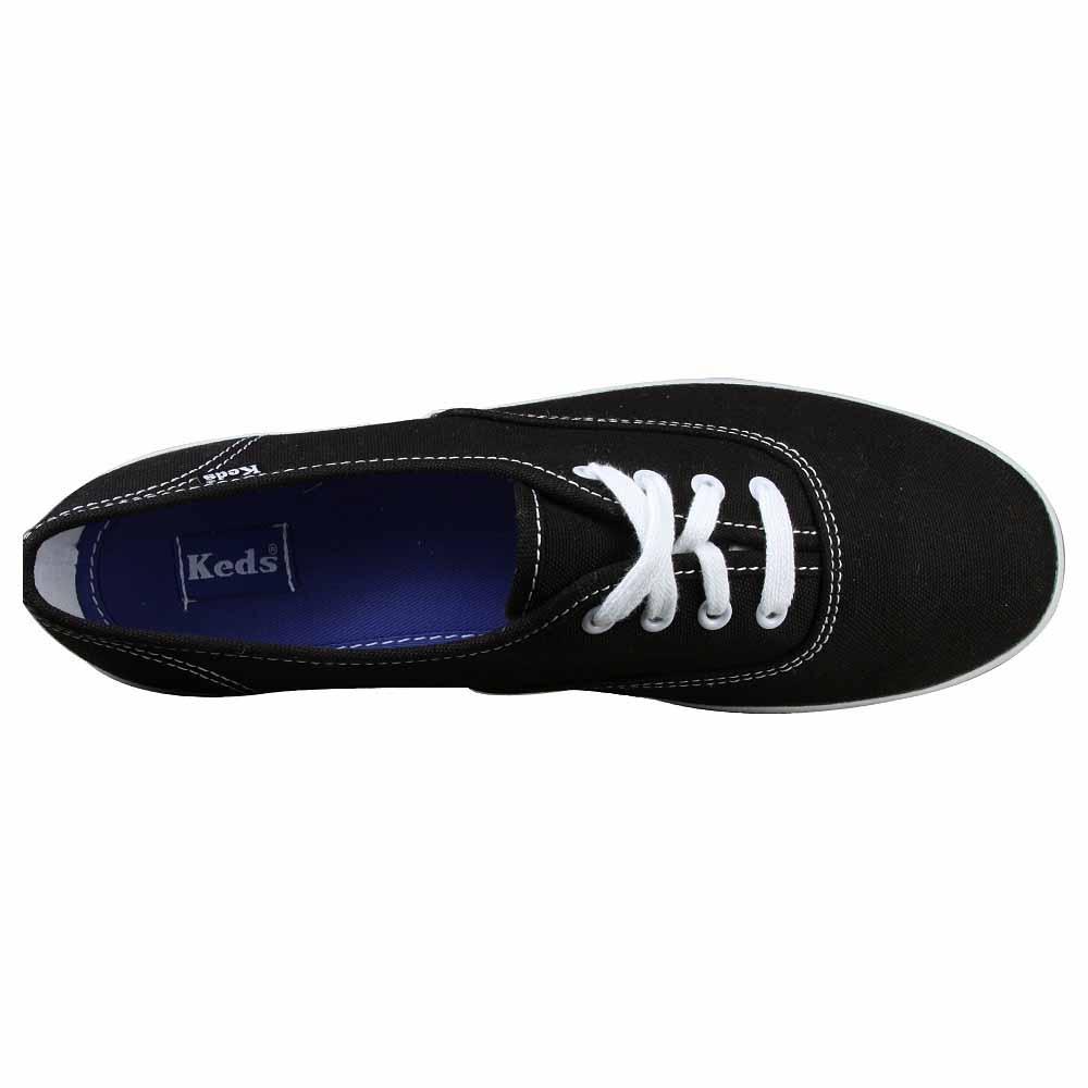 Champion CVS Economical, stylish, and eye-catching shoes