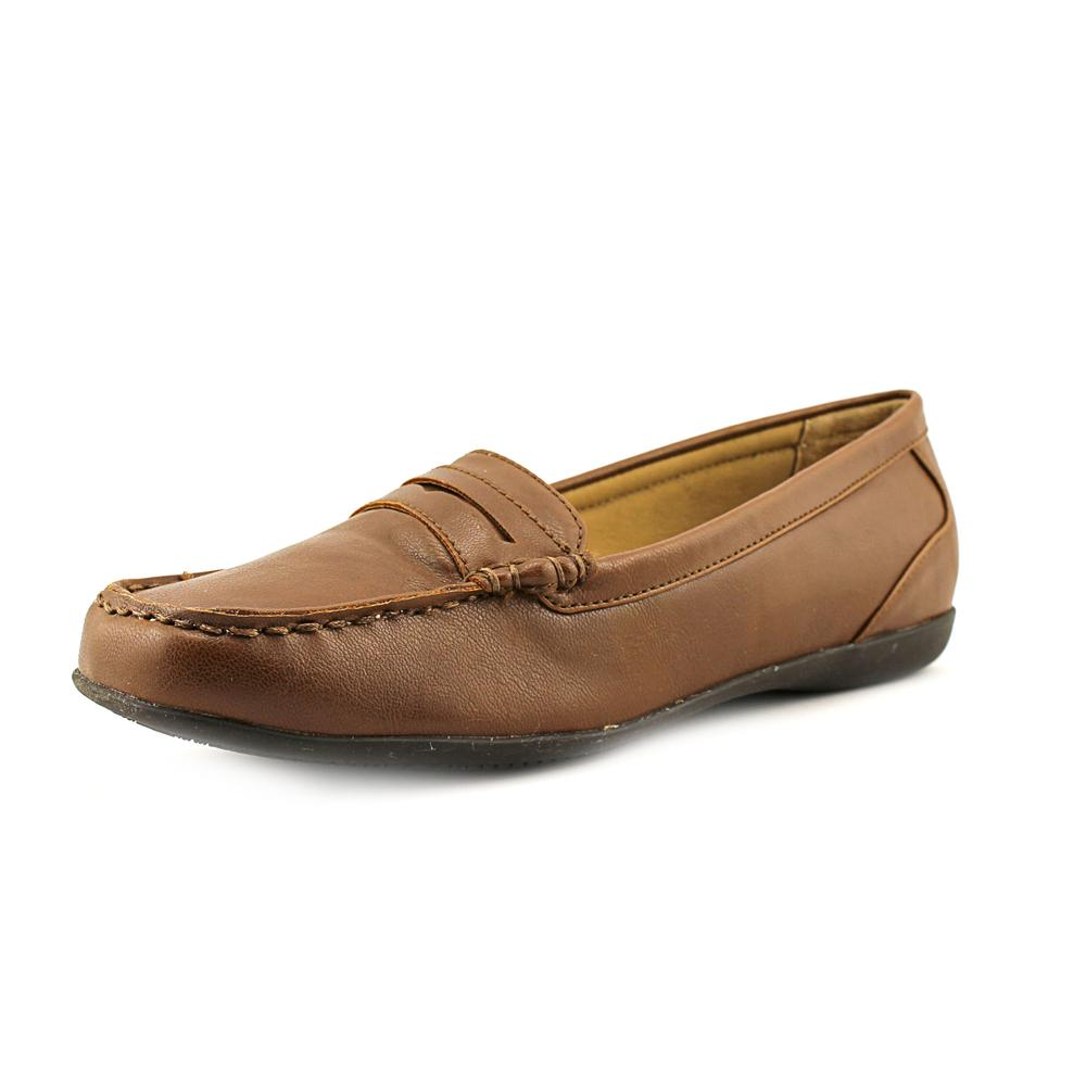 Trotters Francie W Apron Toe Leather Loafer by Trotters