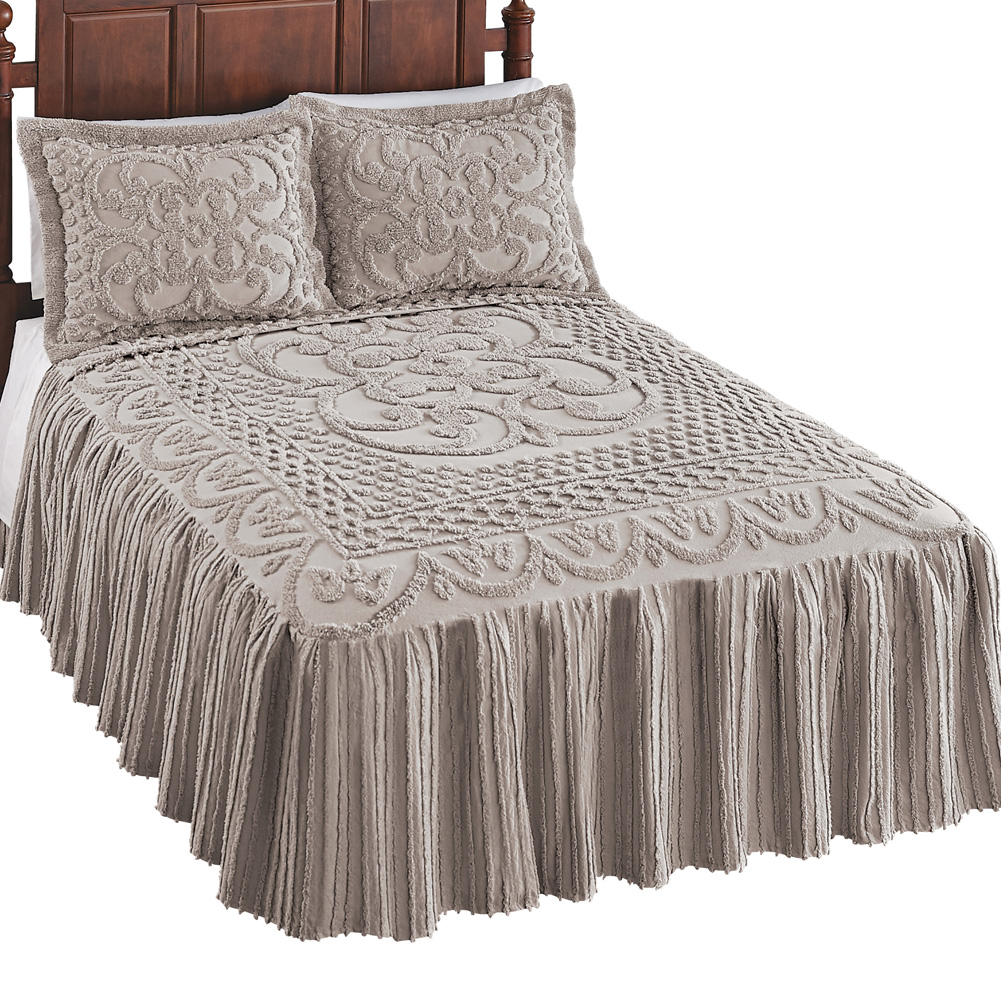 Luxurious Pristine Scroll & Lattice Chenille Lightweight Bedspread with Elegant Skirt, King, Silver