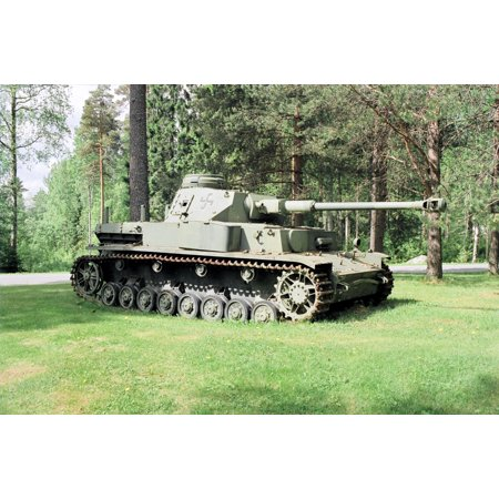 Canvas Print Deutsch: Panzer IV Ausf. J in der Karkialampi Kaserne zu Mikkeli, Finland. English: A Panzer IV tank Stretched Canvas 10 x 14