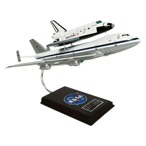 Daron Worldwide B747 1976 with Shuttle Model Airplane by Toys and Models Corporation