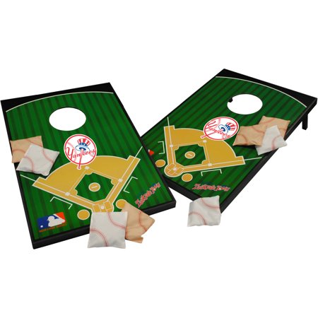 Wild Sports MLB New York Yankees 2x3 Field Tailgate Toss
