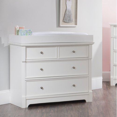 Child Craft Bradford 4-Drawer Dresser