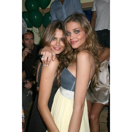 Fernanda Mota Ana Beatriz Barros Inside For Candids - Memorial Day Weekend In The Hamptons Stereo By The Sea Nightclub Southampton Ny May 26 2007 Photo By Rob RichEverett Collection Celebrity