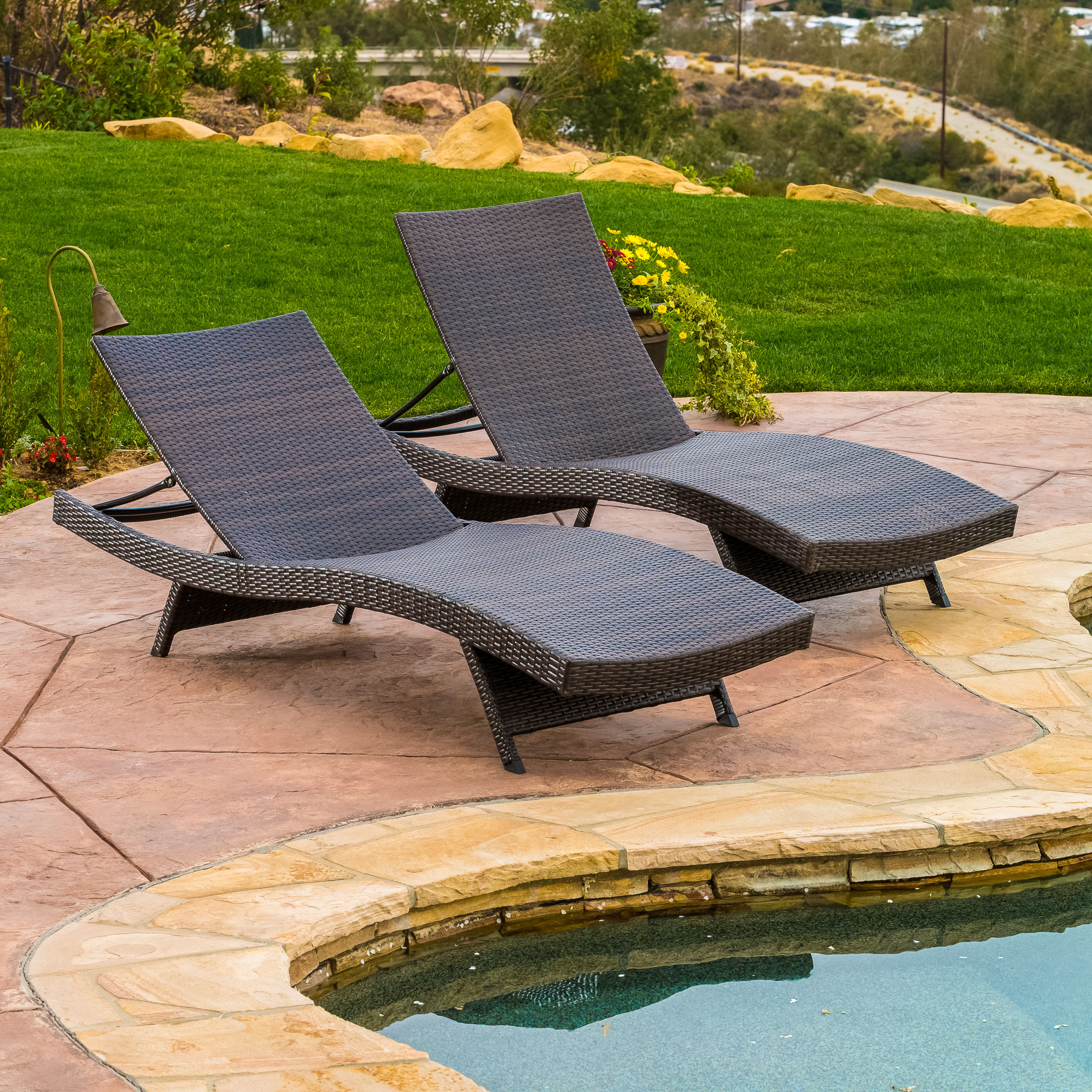 Berkeley Outdoor Brown Wicker Adjustable Chaise Lounge Chair (Set of 2)