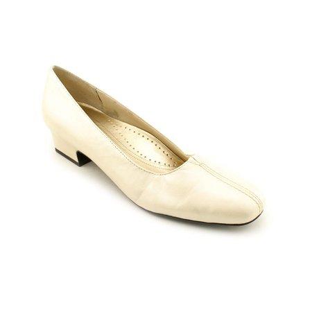 Trotters Doris  N/S Pointed Toe Leather  Heels