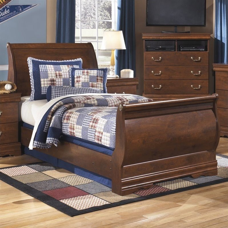 Ashley Wilmington Wood Twin Sleigh Bed in Brown by Ashley Furniture