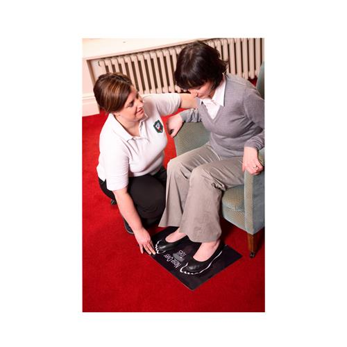 "Dycem non-slip ""Nose over Toes"" floor mat, 14"" x 20"", black"