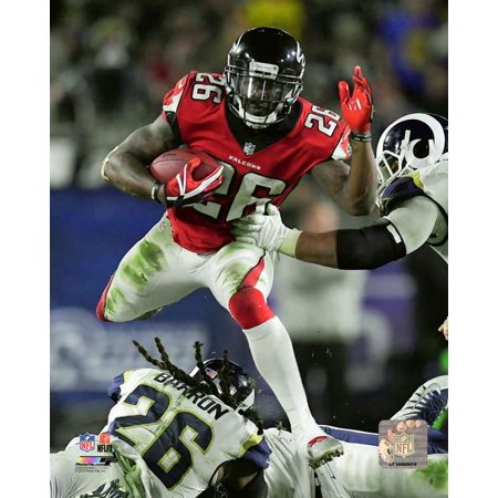 Tevin Coleman 2017 NFC Wildcard Game Action Photo Print