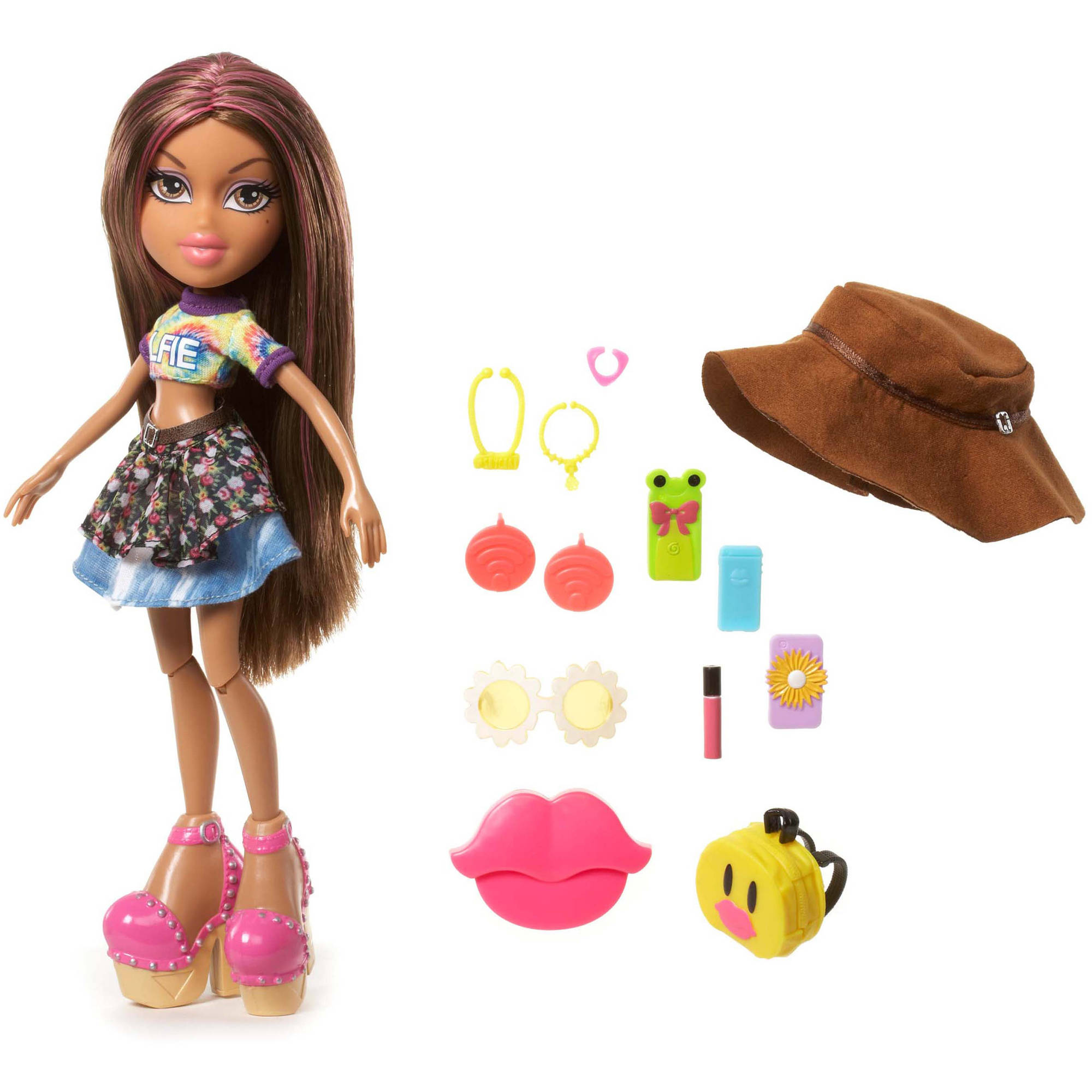 Bratz SelfieSnaps Doll, Yasmin by MGA Entertainment