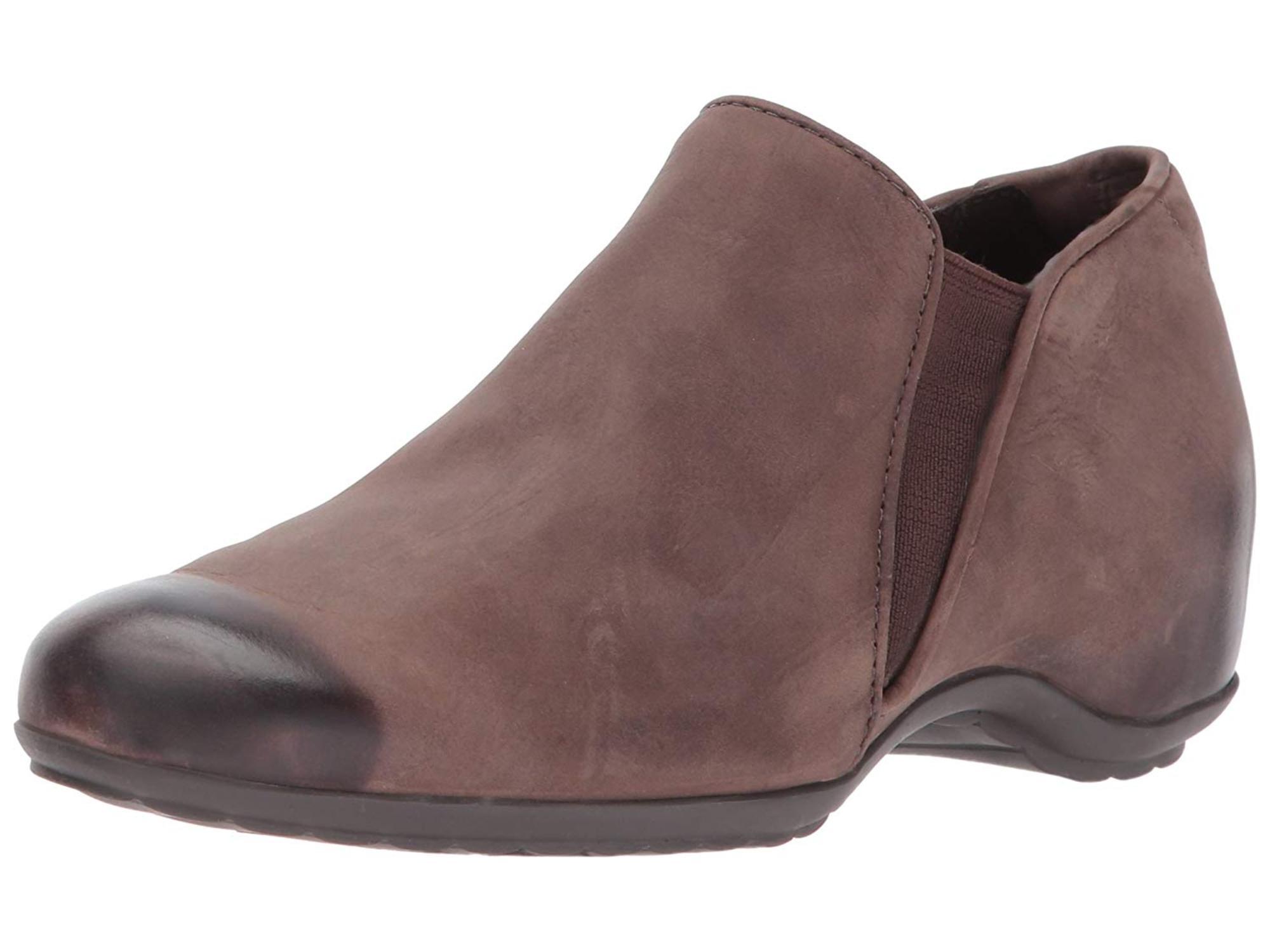 967236708bb24 Walking Cradles Womens Keaton Closed Toe Loafers