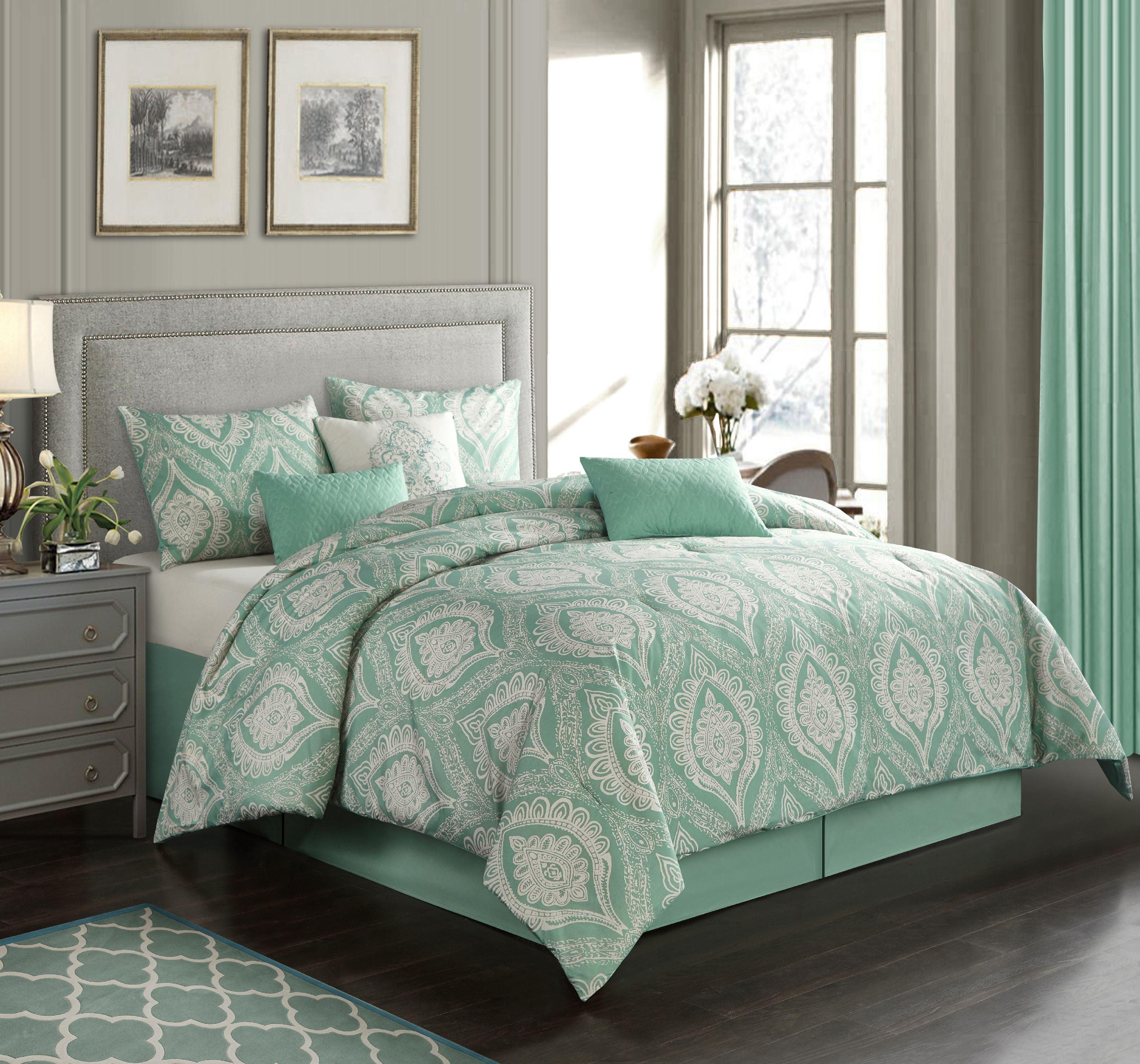 Elegant Farmhouse by Nanshing Safara 7-Piece Comforter Set