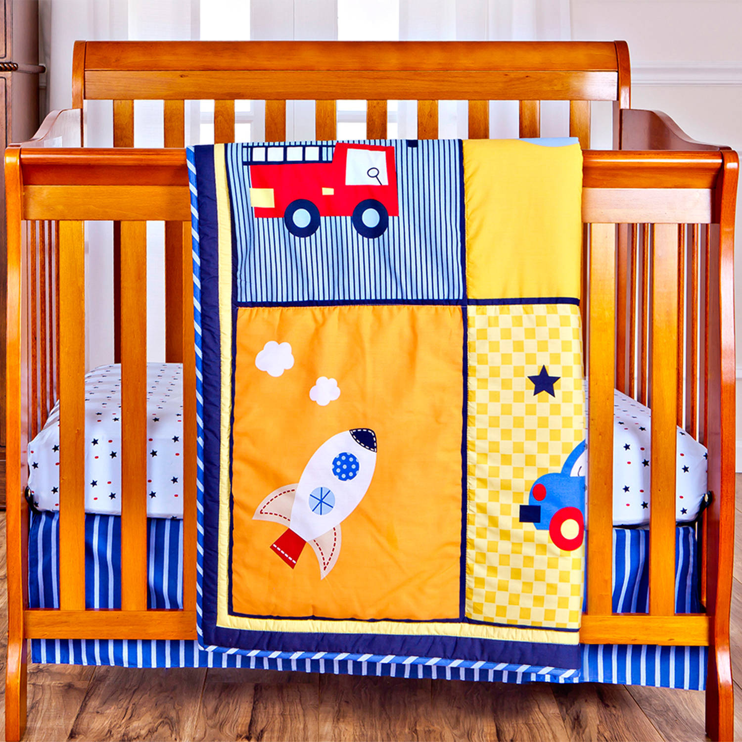 Dream On Me On The Go 2-Piece Reversible Portable Crib Bedding Set