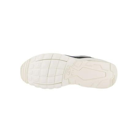 hot sale online 7fa73 3dba8 Nike Women's Air Max Motion Lw Print Running Shoe | Walmart Canada