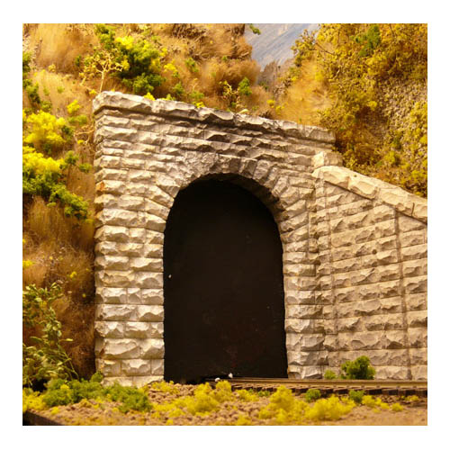 HO Single Cut Stone Tunnel Portal Multi-Colored