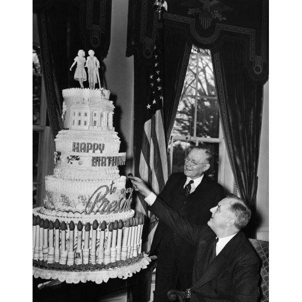 Enjoyable Fdr Presidency Us President Franklin Delano Roosevelt Admiring His Birthday Cards Printable Trancafe Filternl