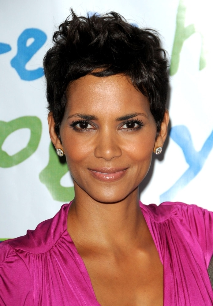 Halle Berry At Arrivals For Silver Rose Gala And Auction