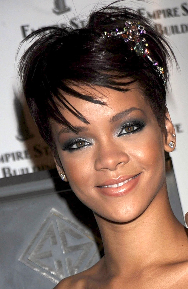 Rihanna At A Public Appearance For Rihanna Attends The Empire State Building...