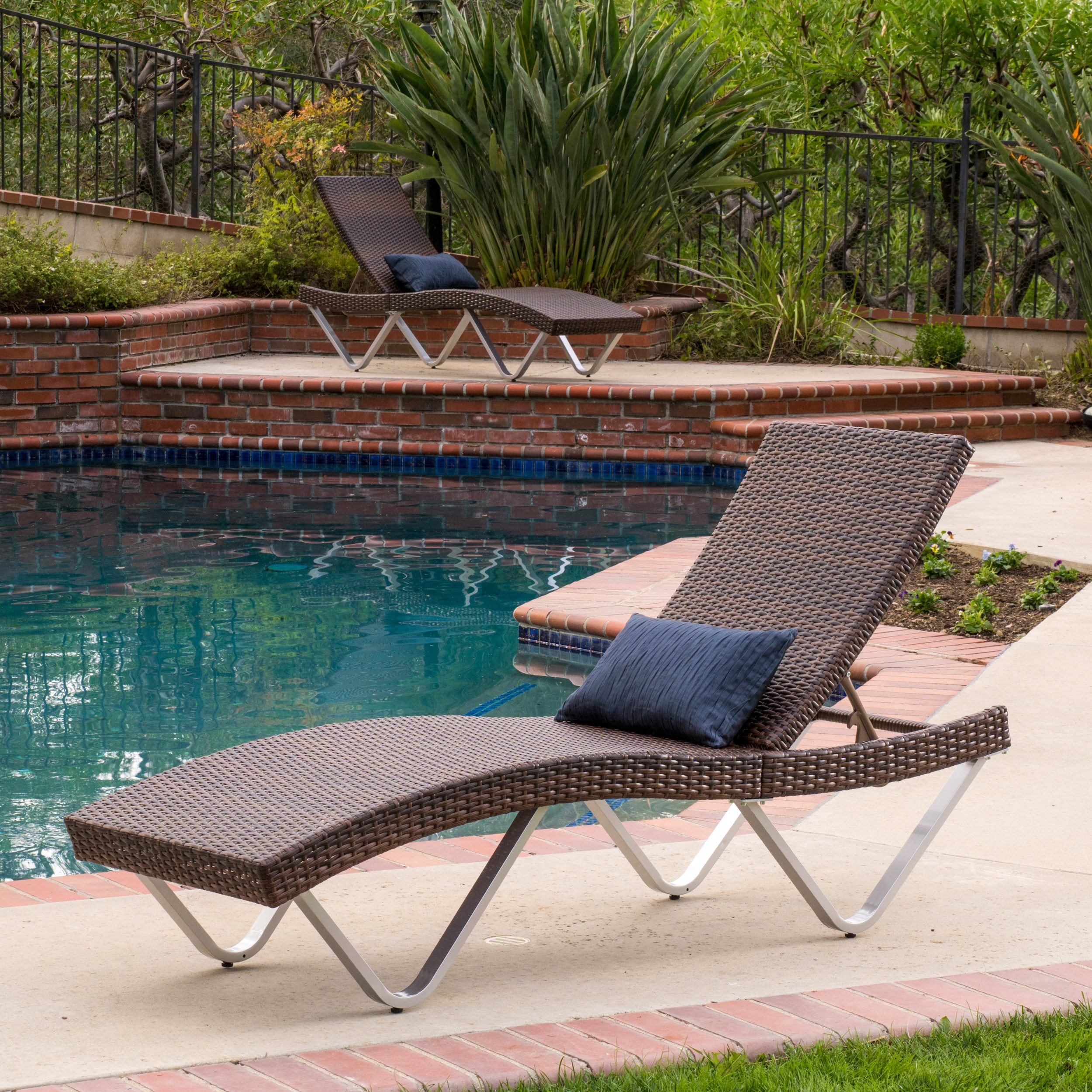 Christopher Knight Home San Marco Outdoor Wicker Chaise Lounge (Set of 2) by