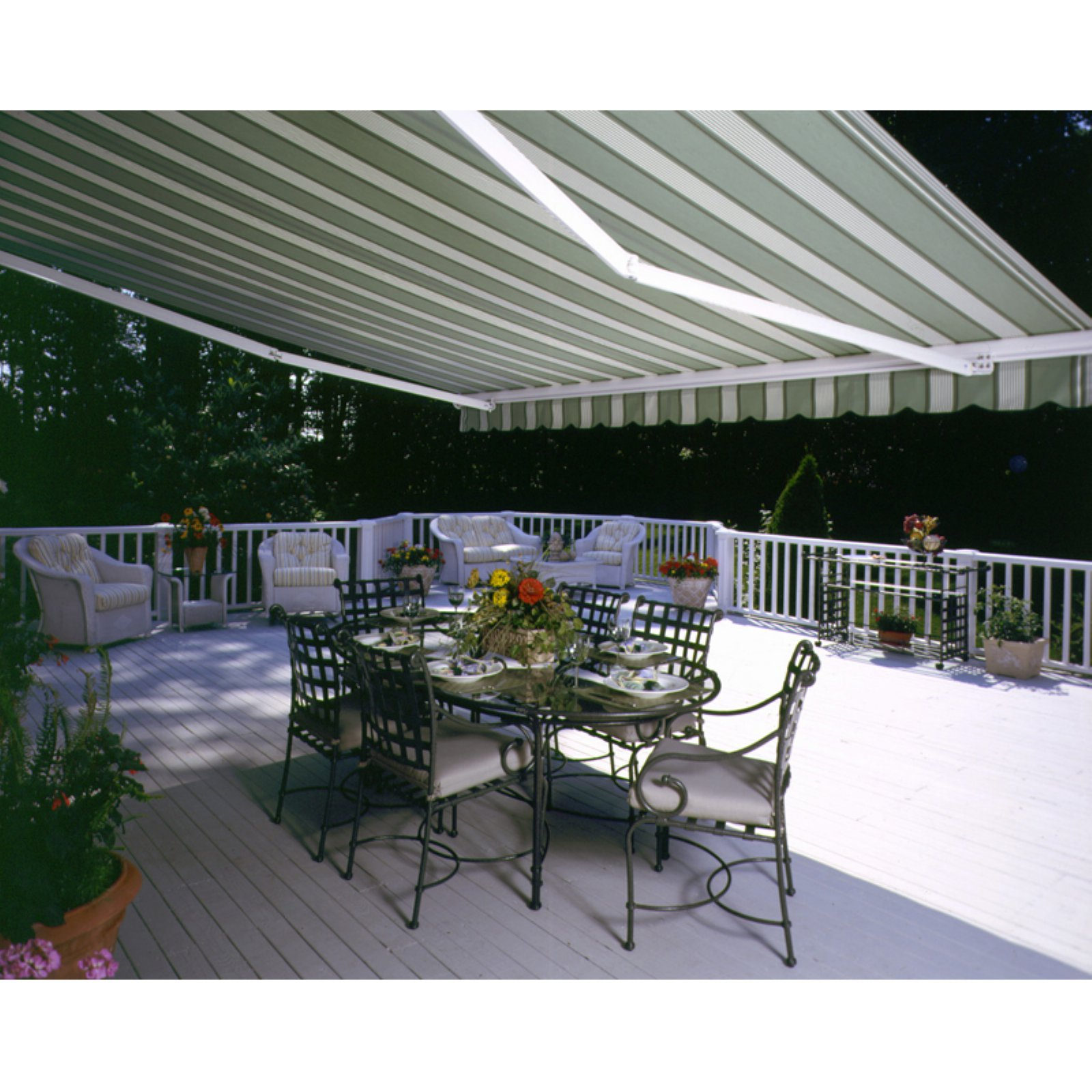awning folding ltedzwi motorized lateral arm ft retractable the model awnings retractableawnings palermo com products