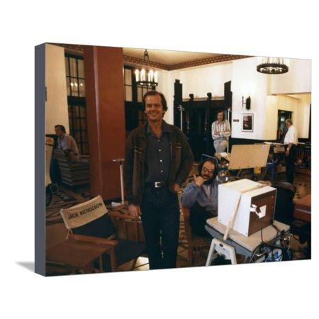 Jack Nicholson and le realisateur Stanley Kubrick sur le tournage du film Shining, 1980 (d'apres St Stretched Canvas Print Wall Art - Halloween Le Film Vf