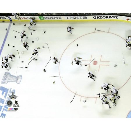 Pittsburgh Penguins Framed Photos - The Pittsburgh Penguins celebrate Game 6 of the 2016 Stanley Cup Finals Photo Print