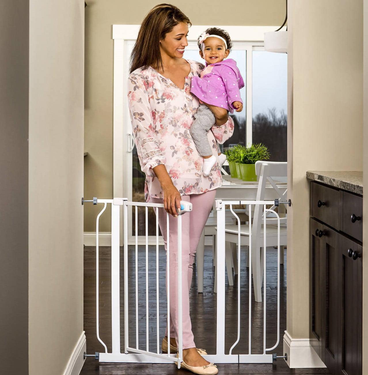 Regalo Extra Wide Baby Gate 29 39 With Walk Through Door