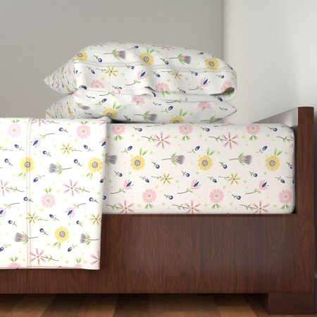Floral Retro Style Collage Flowers 100% Cotton Sateen Sheet Set by Roostery