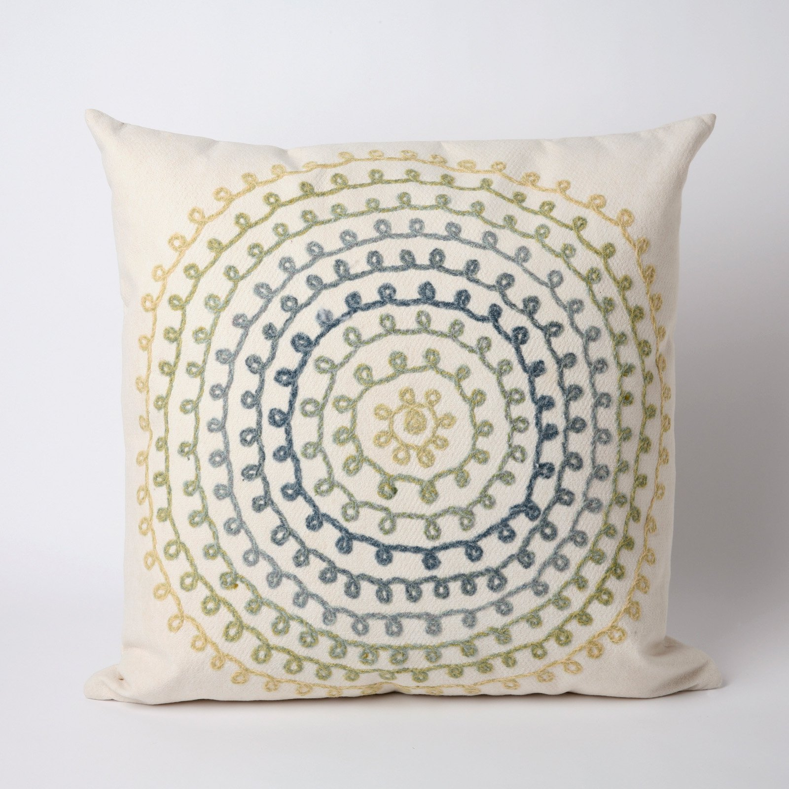 Liora Manne Ombre Threads Indoor / Outdoor Throw Pillow
